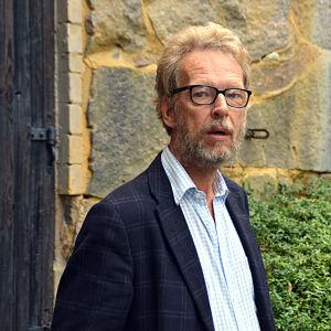 Regissör Erik Pöysti söker skådespelande män för Okänd Soldat.