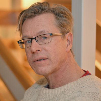 En man som heter Bubi Asplund.