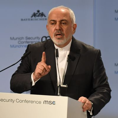 Irans utrikesminister Mohammad Javad Zarif har lämnat in sin avskedsansökan
