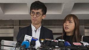 Sixtus Baggio Leung håller presskonferens om protesterna i Hongkong.