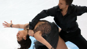 Jelena Ilinykh och Ruslan Zhiganshin i Rysslands GP i nov 2014