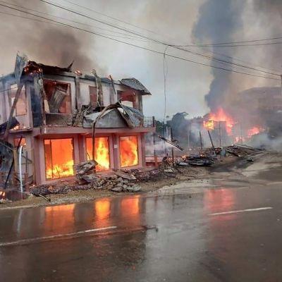 Militären brände nyligen upp en stor del av staden Thantlang, där invånarna hade bildat en milisstyrka för att försvara sig mot juntan.