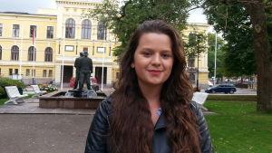 Amina Elezovic jobbar aktivt för flyktingmottagande