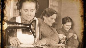 Naiset ompelevat talvisodan aikana.
