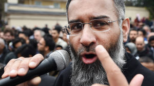 Anjam Choudary, känd radikal islamistpredikant, dömdes till 5,5 års fängelse.