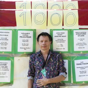 Tomas Jansson firar 1000 teaterbesök.