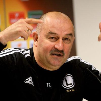 Stanislav Tjertjesov är Rysslands nya landslagstränare i fotboll.