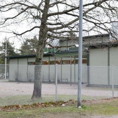 ett skolhus.