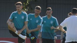 Tysklands spelare visar prov på balans.