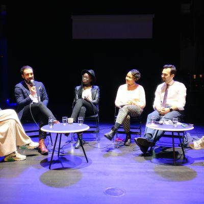 Debattpanel med riksdagskandidaterna Daniel Rahman (Saml), Ajak Majok (VF), Elina Sagne-Ollikainen (Fem) och Ozan Yanar (Gröna).