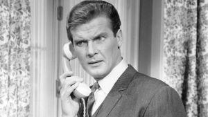 Skådespelaren Roger Moore i tv-serien Helgonet år 1966.