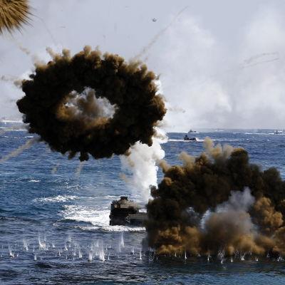 USA:s och Sydkoreas största gemensamma militärövningar någonsin trappar upp spänningen på den koreanska halvön