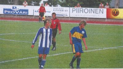 Johannes Westö och Rasmus Schüller på bild i HooGees årsbok i början på 2000-talet.