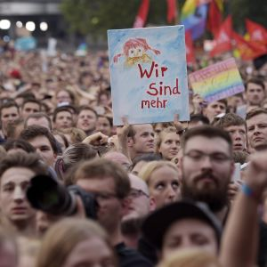 Rockkonserten i Chemnitz hölls under slagordet Wir sind mehr - Vi är fler