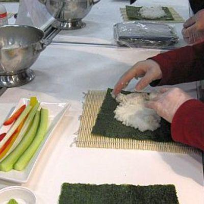Sushin valmistusta