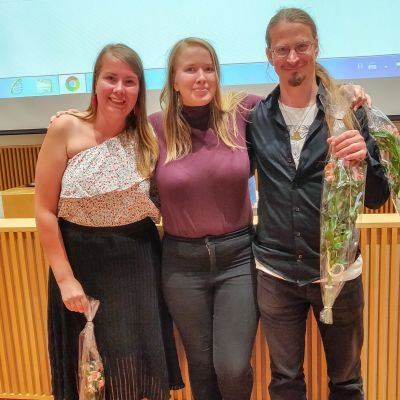 Mari Kousa-Kuusisto (vas.), Kati Systä ja Markus Norrgran valittiin Varsinais-Suomen vihreiden hallitukseen. - kuva Tuomo Liljenbäck