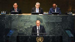 Ryssland president Vladimir Putin talar under FN:s generalförsamling.