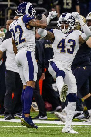 Los Angeles Rams spelare jublar i matchen mot New Orleans Saints.