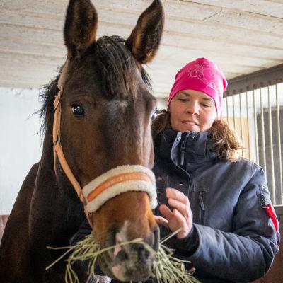 Heidi-Maria Viitanen ja Mio hevonen