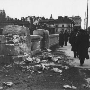 Skador efter strider på Långa bron i Hagnäs 14 april 1918.