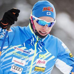 Iivo Niskanen i skidspåret under ett träningsläger inför säsongen.