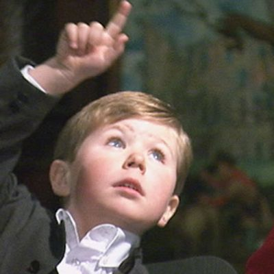 Tanskan kruununprinssi Frederikin poika prinssi Christian ja äitinsä kruununprinsessa Mary.