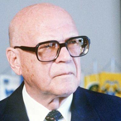 Lähikuvassa Urho Kekkonen.