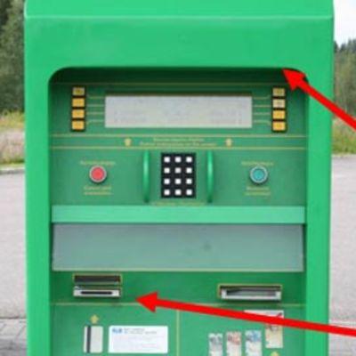 Huoltoaseman maksuautomaatti, johon oli vuonna 2007 asennettu kopiointilaite.