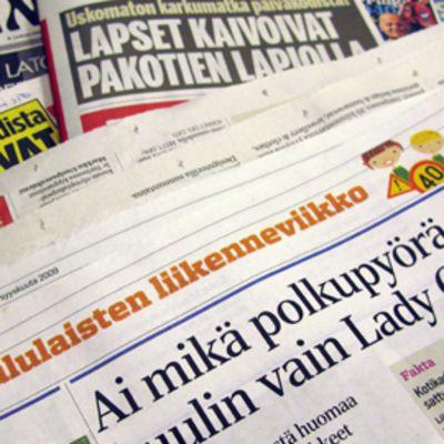 Sanomalehtiä syyskuun 8. päivänä 2009.