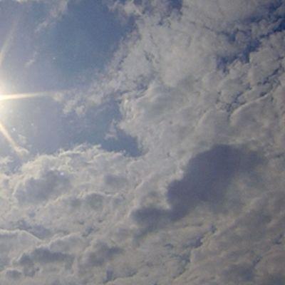 Aurinkoinen taivas