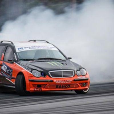 Teemu Peltolan drifting-auto.