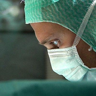 Kirurgi sairaalan leikkaussalissa