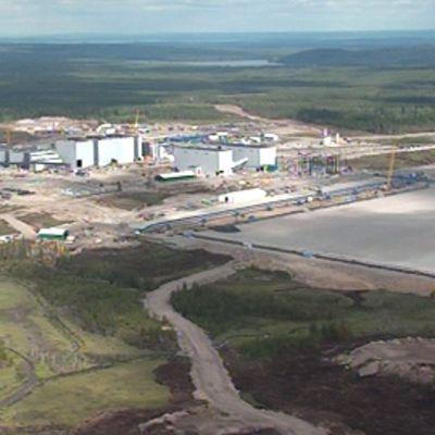 Talvivaaran kaivosalue ilmasta kuvattuna.