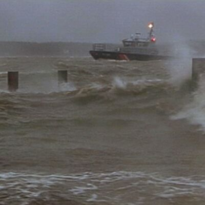 Merivartioston vene kovassa kelissä