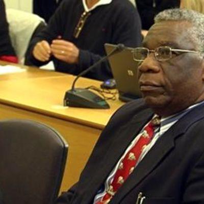 Joukkotuhonnasta tuomittu pastori Francois Bazaramban