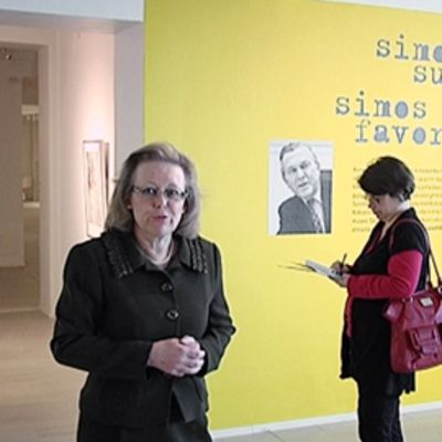 Museonjohtaja Anne-Maj Salin Kuntsin juhlanäyttelyn tiedotustilaisuudessa lokakuussa 2010.