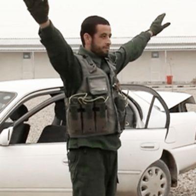 Poliisiksi koulutettavat harjoittelevat Afganistanissa.