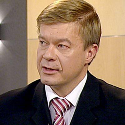 Keskustan varapuheenjohtaja Antti Rantakangas YLEn Aamu-Tv:n studiossa 3.11.2009.