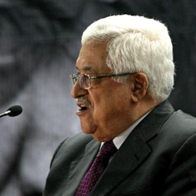 Palestiinalaisten presidentti Mahmud Abbas pitää puhetta.