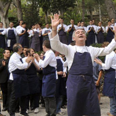 Ferran Adria henkilökuntansa kanssa.