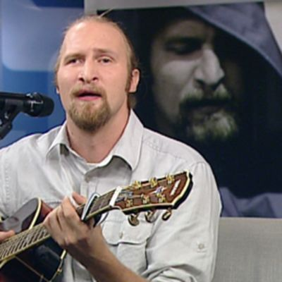 Paleface, Karri Miettinen, Aamu-tv:n studiossa 15. syyskuuta 2010.