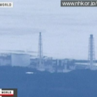 Fukushiman ydinvoimala japanilaisen tv-yhtiö NHK:n kuvassa.