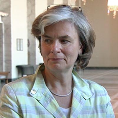 Astrid Thors. Yle
