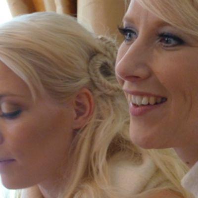 Kuunkuiskaajat Johanna Virtanen sekä Susan Aho toimivat HimosFolkin taiteellisina johtajina.