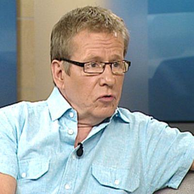 Ylen kirjallisuustoimittaja Seppo Puttonen