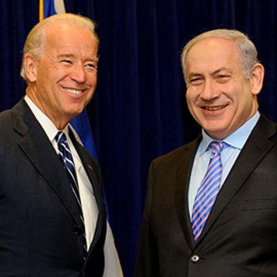 Yhdysvaltain varapresidentti Joe Biden (vas.) ja Israelin pääministeri Benjamin Netanjahu.
