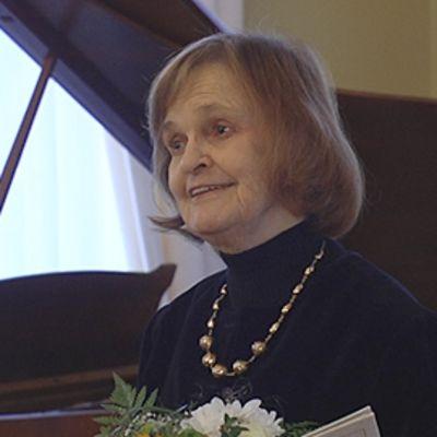 Professori Liisa Pohjola.