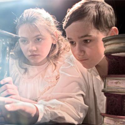 Fanny ja Alexander näytelmästä kohtaus.