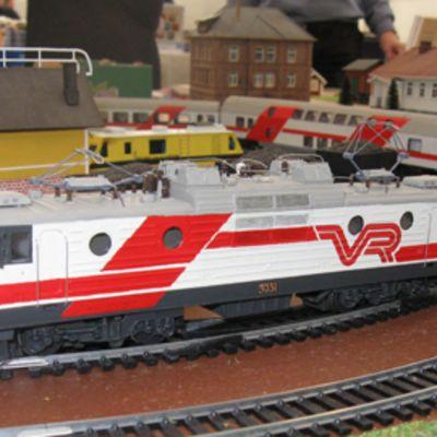 Pinoismalli Intercity-junasta.