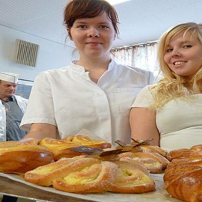 Leipurimestarit Sonja Lehikoinen (vas.) ja Marika Pajunen.